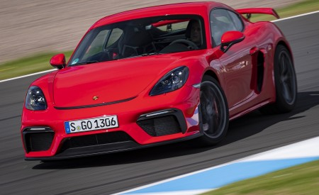 2020 Porsche 718 Cayman GT4 (Color: Guards Red) Front Wallpapers 450x275 (5)