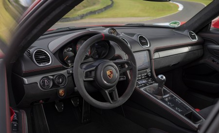 2020 Porsche 718 Cayman GT4 (Color: Guards Red) Interior Wallpapers 450x275 (45)