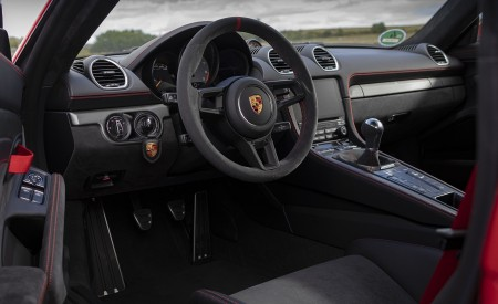 2020 Porsche 718 Cayman GT4 (Color: Guards Red) Interior Wallpapers 450x275 (44)