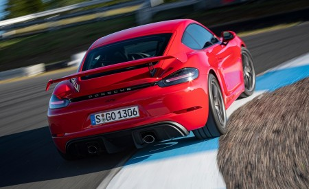 2020 Porsche 718 Cayman GT4 (Color: Guards Red) Rear Wallpapers 450x275 (13)