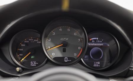 2020 Porsche 718 Cayman GT4 (Color: Miami Blue) Instrument Cluster Wallpapers 450x275 (124)