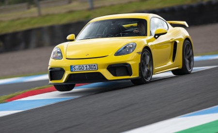 2020 Porsche 718 Cayman GT4 (Color: Racing Yellow) Front Three-Quarter Wallpapers 450x275 (66)