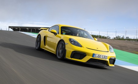 2020 Porsche 718 Cayman GT4 (Color: Racing Yellow) Front Three-Quarter Wallpapers 450x275 (49)