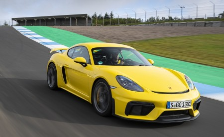 2020 Porsche 718 Cayman GT4 (Color: Racing Yellow) Front Three-Quarter Wallpapers 450x275 (52)