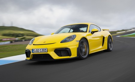 2020 Porsche 718 Cayman GT4 (Color: Racing Yellow) Front Three-Quarter Wallpapers 450x275 (53)