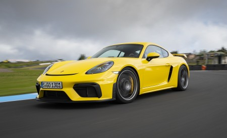 2020 Porsche 718 Cayman GT4 (Color: Racing Yellow) Front Three-Quarter Wallpapers 450x275 (55)