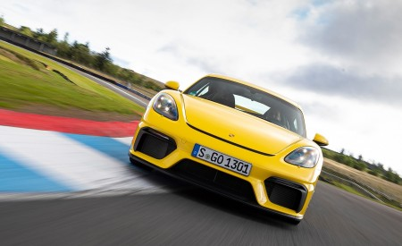 2020 Porsche 718 Cayman GT4 (Color: Racing Yellow) Front Wallpapers 450x275 (58)