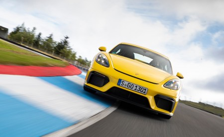 2020 Porsche 718 Cayman GT4 (Color: Racing Yellow) Front Wallpapers 450x275 (59)