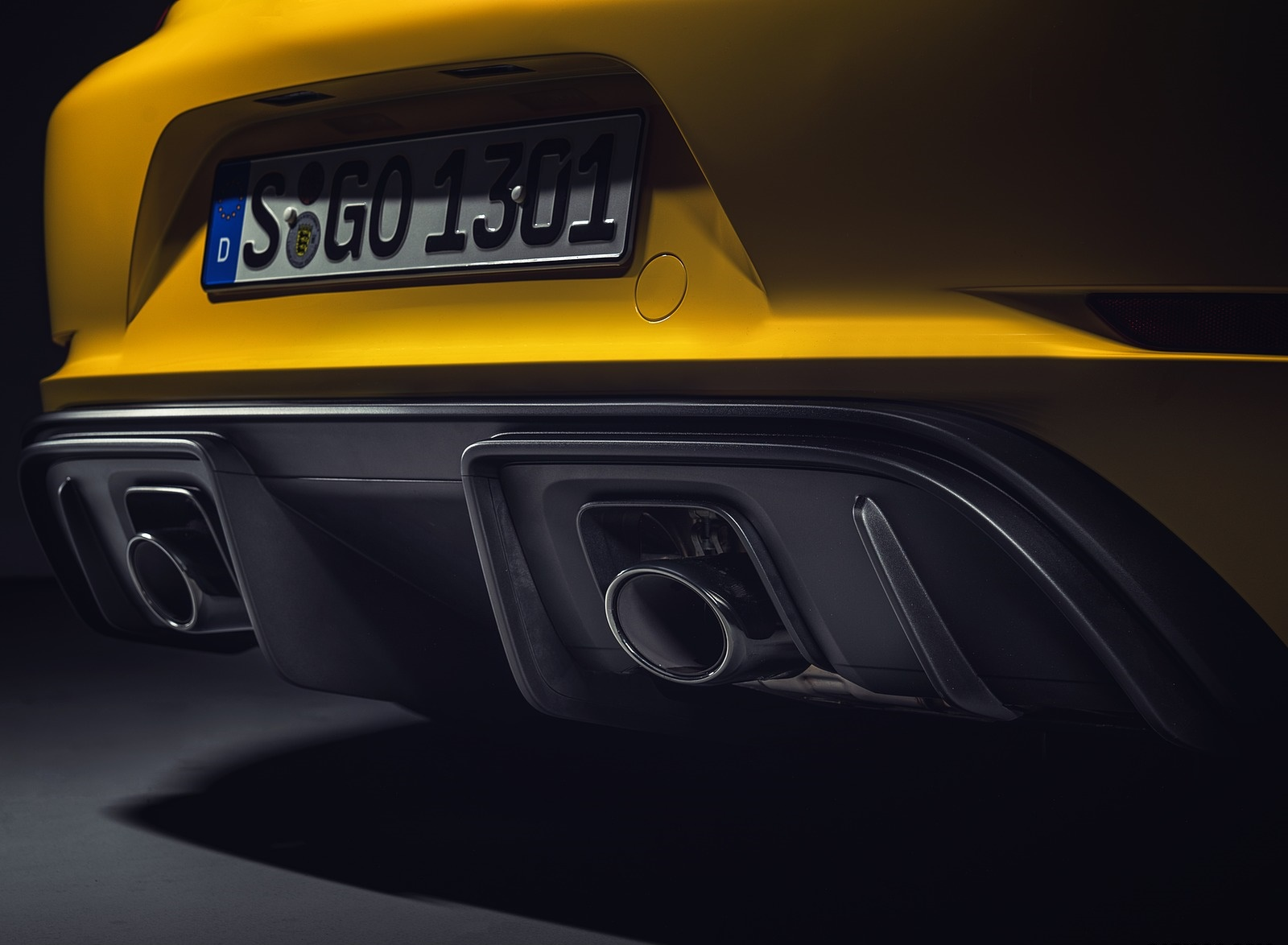 2020 Porsche 718 Cayman GT4 Exhaust Wallpapers (14)