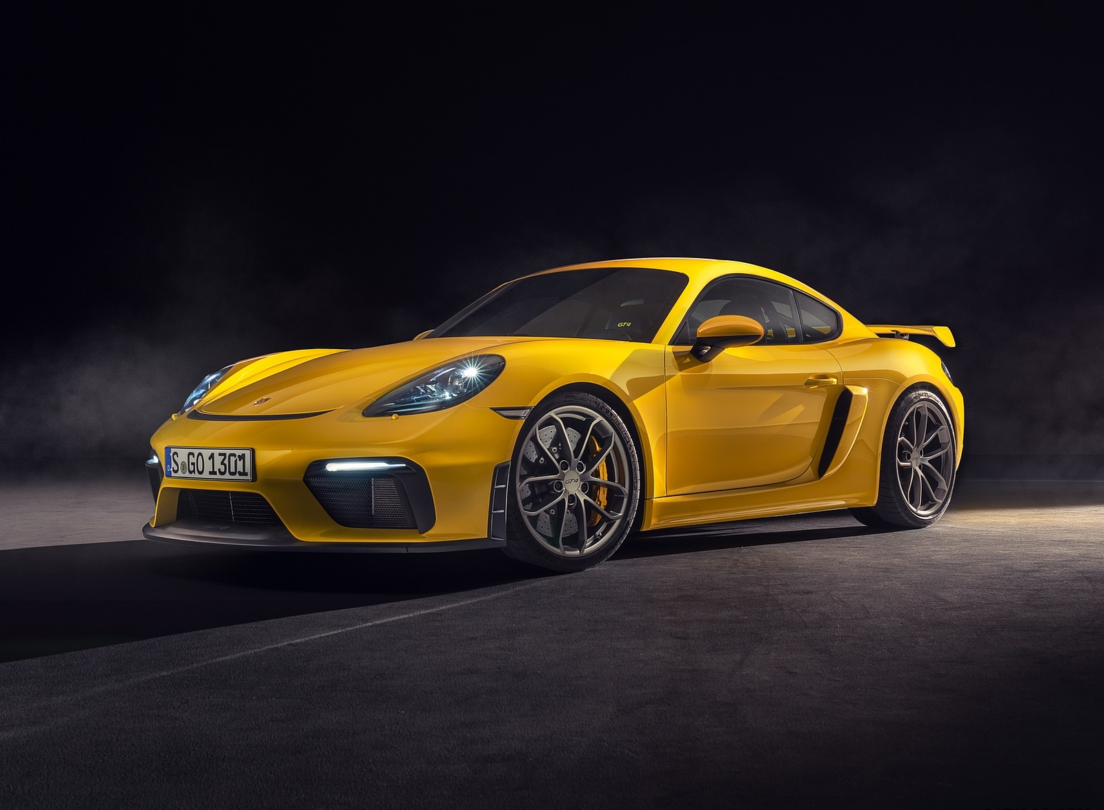 2020 Porsche 718 Cayman GT4 Front Three-Quarter Wallpapers (6)