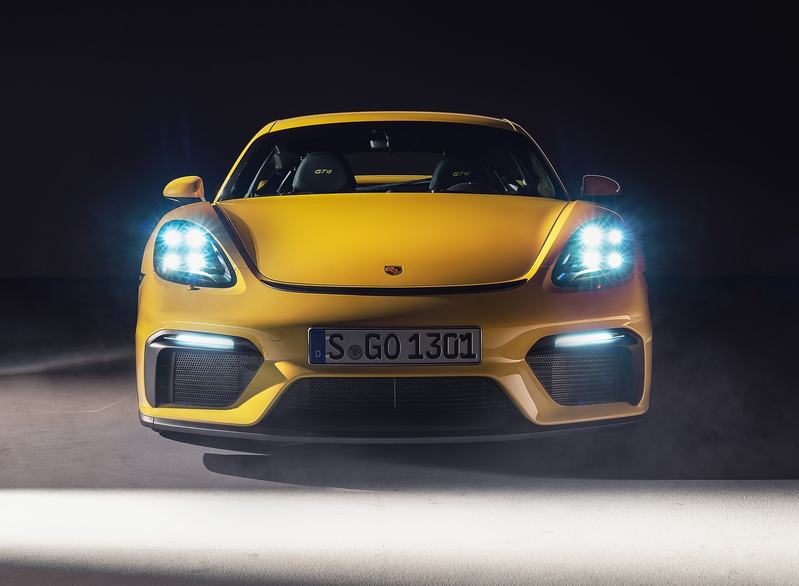 2020 Porsche 718 Cayman GT4 Front Wallpapers (8)