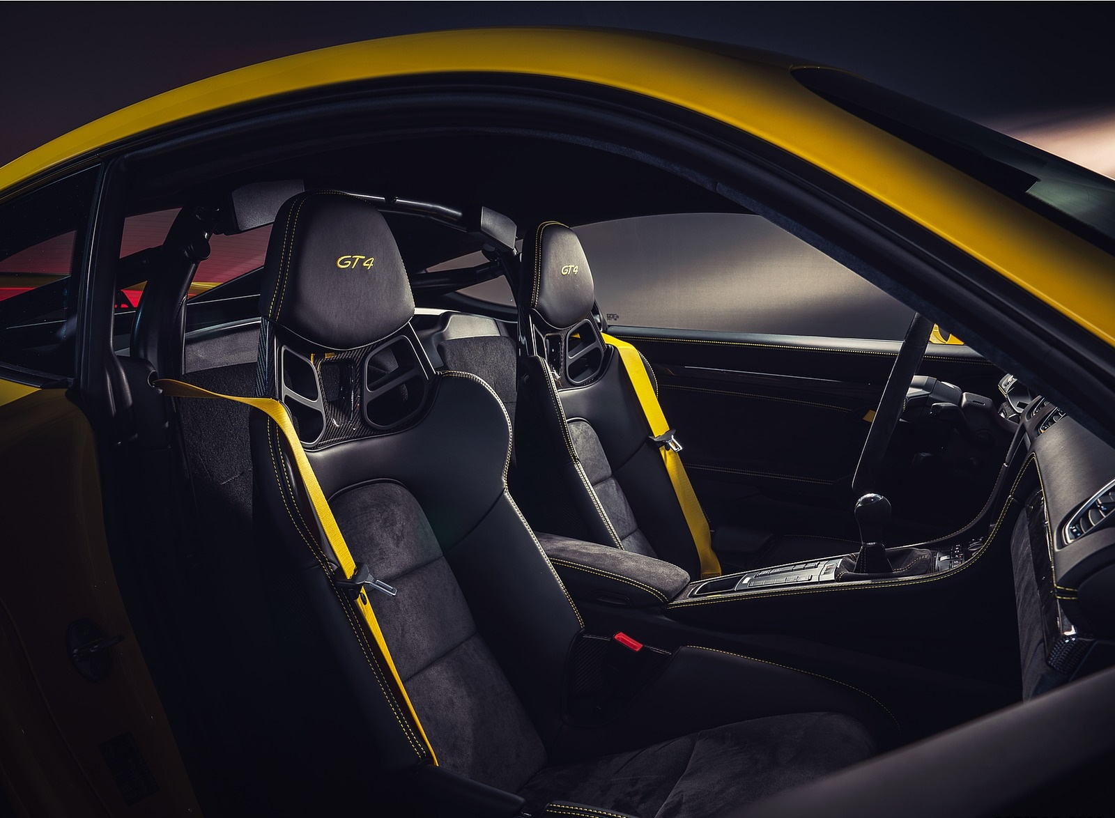 2020 Porsche 718 Cayman GT4 Interior Wallpapers (15)