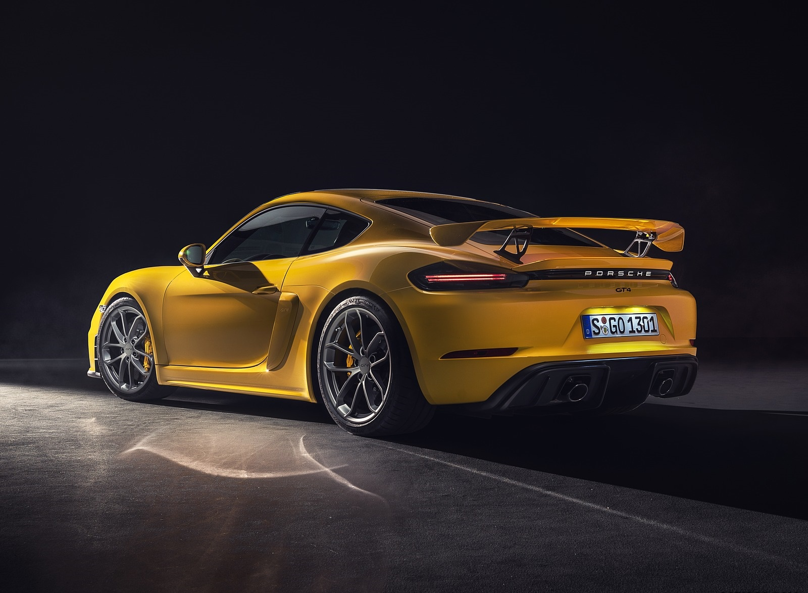 2020 Porsche 718 Cayman GT4 Rear Three-Quarter Wallpapers (9)