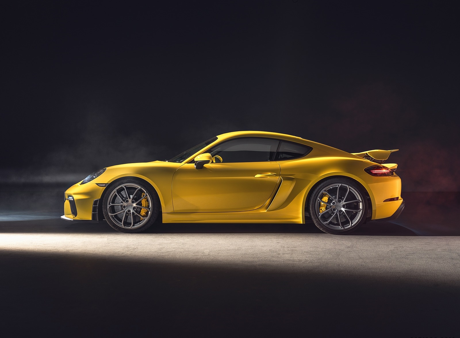 2020 Porsche 718 Cayman GT4 Side Wallpapers (11)