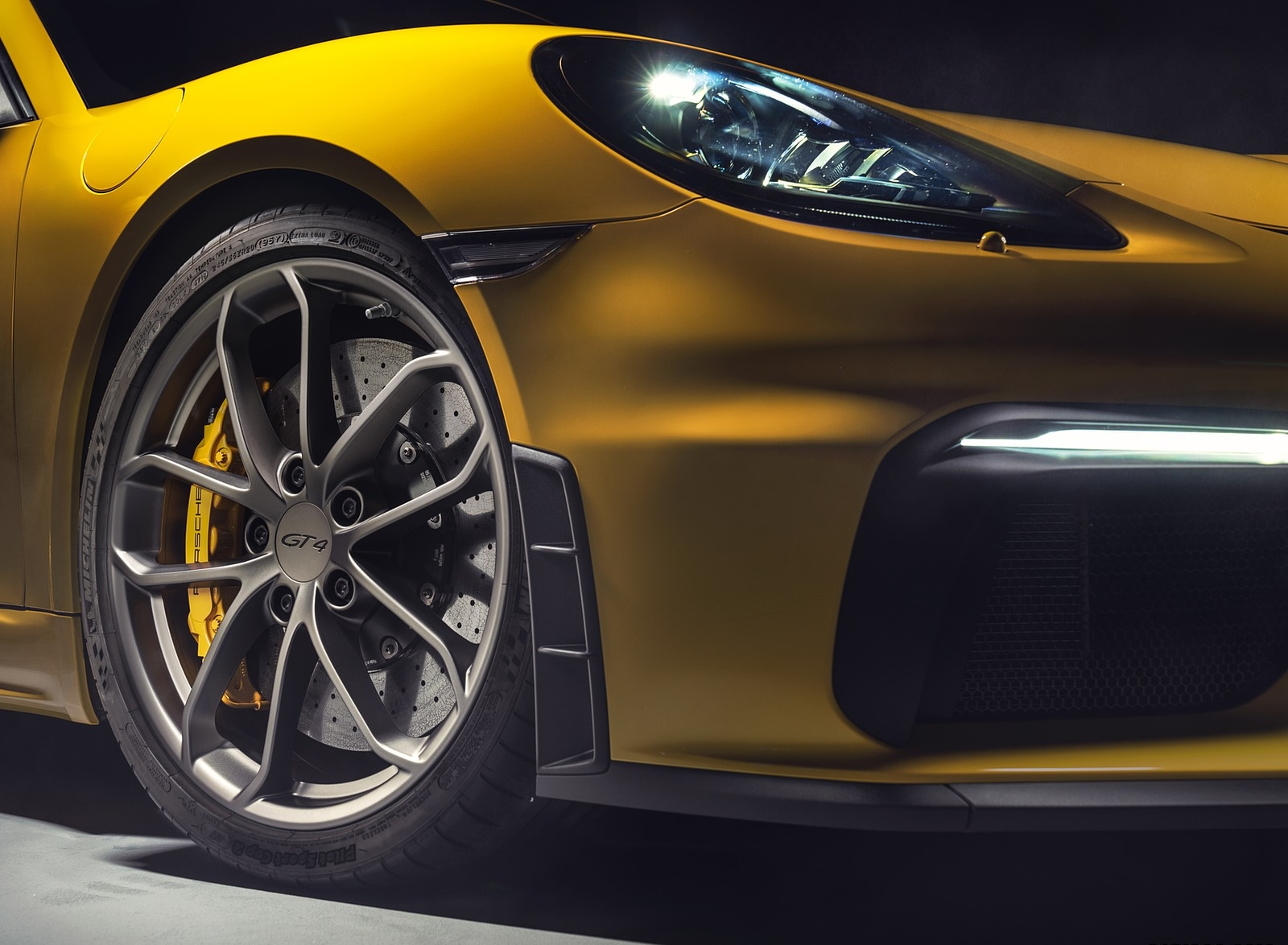 2020 Porsche 718 Cayman GT4 Wheel Wallpapers (12)