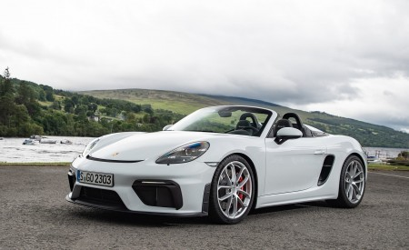 2020 Porsche 718 Spyder (Color: Carrara White Metallic) Front Three-Quarter Wallpapers 450x275 (138)