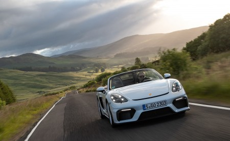 2020 Porsche 718 Spyder (Color: Carrara White Metallic) Front Wallpapers 450x275 (135)