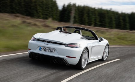 2020 Porsche 718 Spyder (Color: Carrara White Metallic) Rear Wallpapers 450x275 (112)