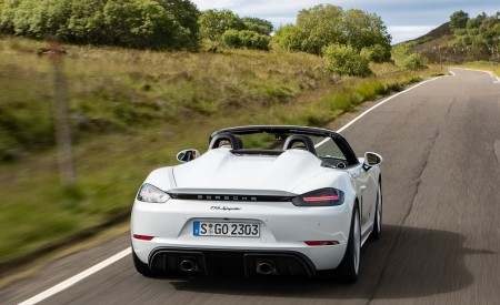 2020 Porsche 718 Spyder (Color: Carrara White Metallic) Rear Wallpapers 450x275 (113)