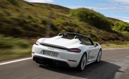 2020 Porsche 718 Spyder (Color: Carrara White Metallic) Rear Wallpapers 450x275 (114)