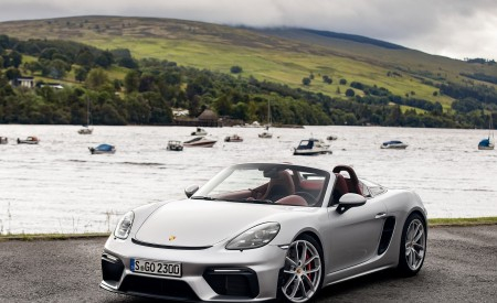 2020 Porsche 718 Spyder (Color: GT Silver Metallic) Front Three-Quarter Wallpapers 450x275 (206)