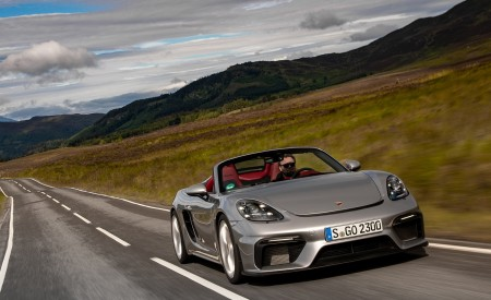 2020 Porsche 718 Spyder (Color: GT Silver Metallic) Front Wallpapers 450x275 (190)