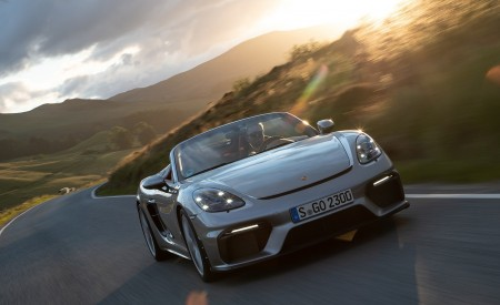 2020 Porsche 718 Spyder (Color: GT Silver Metallic) Front Wallpapers 450x275 (185)