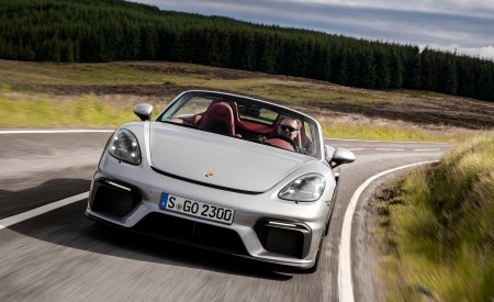 2020 Porsche 718 Spyder (Color: GT Silver Metallic) Front Wallpapers 450x275 (175)
