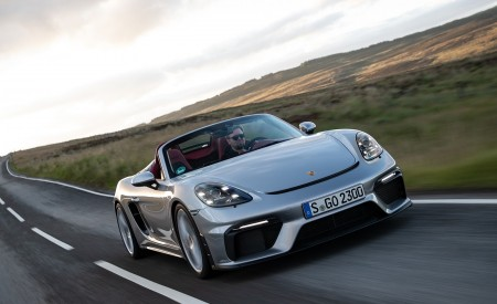 2020 Porsche 718 Spyder (Color: GT Silver Metallic) Front Wallpapers 450x275 (199)