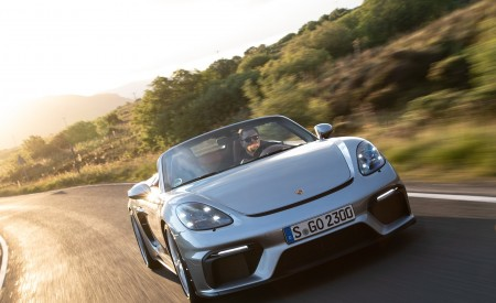 2020 Porsche 718 Spyder (Color: GT Silver Metallic) Front Wallpapers 450x275 (188)