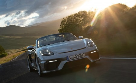 2020 Porsche 718 Spyder (Color: GT Silver Metallic) Front Wallpapers 450x275 (201)