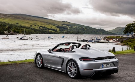 2020 Porsche 718 Spyder (Color: GT Silver Metallic) Rear Three-Quarter Wallpapers 450x275 (208)
