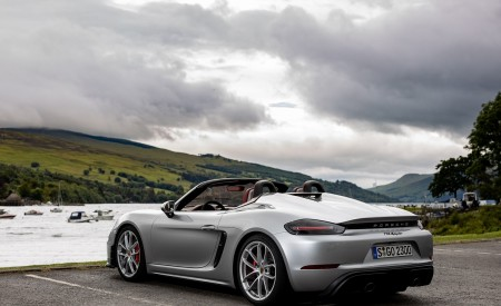 2020 Porsche 718 Spyder (Color: GT Silver Metallic) Rear Three-Quarter Wallpapers 450x275 (209)