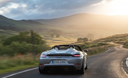 2020 Porsche 718 Spyder (Color: GT Silver Metallic) Rear Wallpapers 450x275 (203)