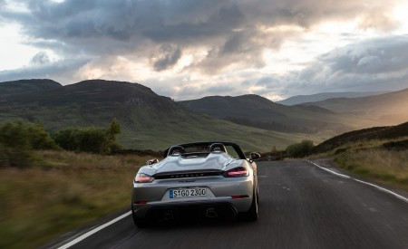 2020 Porsche 718 Spyder (Color: GT Silver Metallic) Rear Wallpapers 450x275 (205)