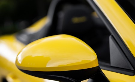 2020 Porsche 718 Spyder (Color: Racing Yellow) Detail Wallpapers 450x275 (65)