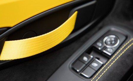 2020 Porsche 718 Spyder (Color: Racing Yellow) Interior Detail Wallpapers 450x275 (83)