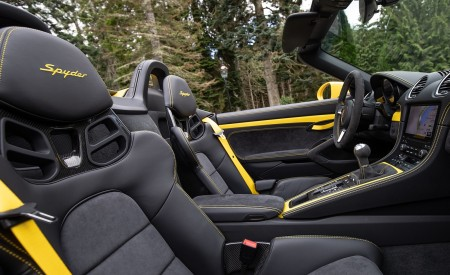 2020 Porsche 718 Spyder (Color: Racing Yellow) Interior Seats Wallpapers 450x275 (86)