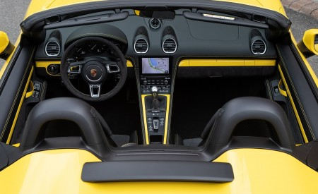 2020 Porsche 718 Spyder (Color: Racing Yellow) Interior Wallpapers 450x275 (78)