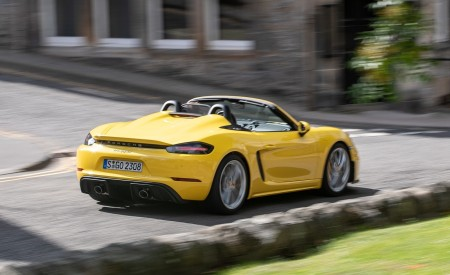 2020 Porsche 718 Spyder (Color: Racing Yellow) Rear Three-Quarter Wallpapers 450x275 (38)