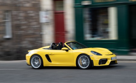 2020 Porsche 718 Spyder (Color: Racing Yellow) Side Wallpapers 450x275 (46)