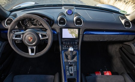 2020 Porsche 718 Spyder Interior Cockpit Wallpapers 450x275 (16)