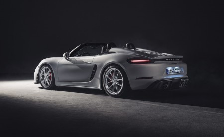 2020 Porsche 718 Spyder Rear Three-Quarter Wallpapers 450x275 (259)
