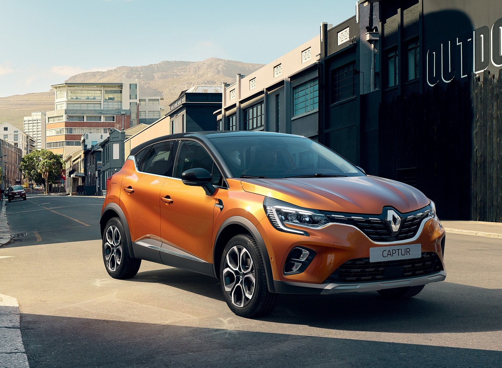 2020 Renault Captur (Color: Atacama Orange) Front Three-Quarter Wallpapers (5)