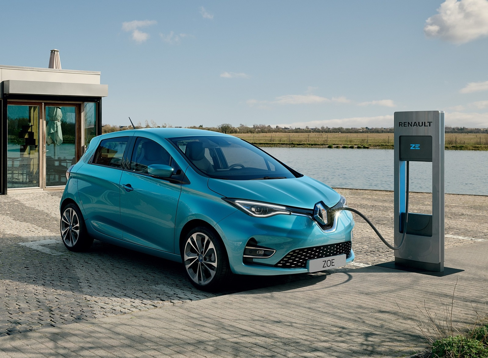 2020 Renault Zoe (Color: Celadon Blue) Charging Wallpapers (2)
