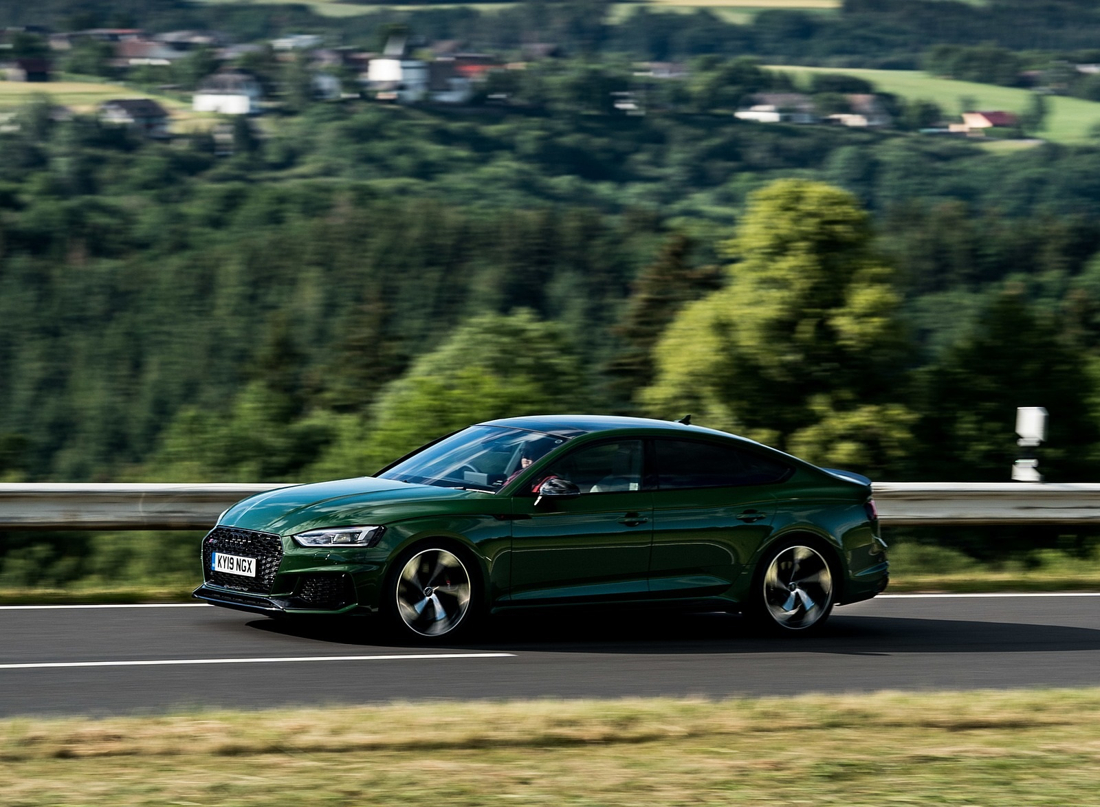 2019 Audi RS 5 Sportback (UK-Spec) Front Three-Quarter Wallpapers (15)