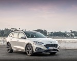 2019 Ford Focus Active Wagon (Color: Metropolis White) Front Three-Quarter Wallpapers 150x120 (13)