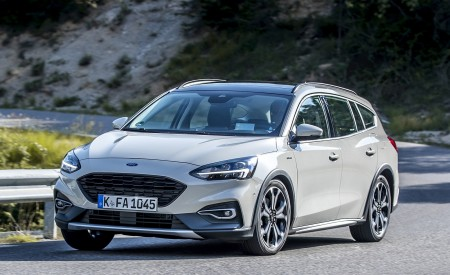 2019 Ford Focus Active Wagon (Color: Metropolis White) Front Three-Quarter Wallpapers 450x275 (3)