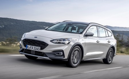 2019 Ford Focus Active Wagon (Color: Metropolis White) Front Three-Quarter Wallpapers 450x275 (4)