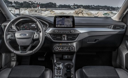 2019 Ford Focus Active Wagon (Color: Metropolis White) Interior Cockpit Wallpapers 450x275 (37)